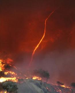 ปรากฏการณ์ธรรมชาติ เสาเพลิงหมุน สวยดีนะ ( Fire whirl ) E9911649ddb1ffe0f9376f16170d9baa